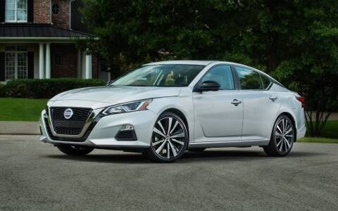 Nissan Altima from 2017 to 2020 models available for rent at empire rental cars at 445 empire boulevard best deals in New York City Brooklyn blue black red colors available as low as $175 empirerentalcars